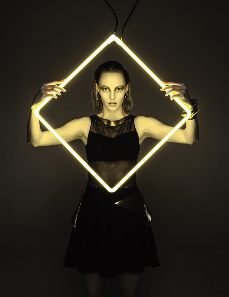 Bright lights, big fashion for FD magazine October 2014. Photographs and neon works by Fredrik Brodén.