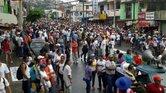 Miles de personas participaron en una marcha en Acapulco en contra de la desaparición de 43 estudiantes del magisterio.