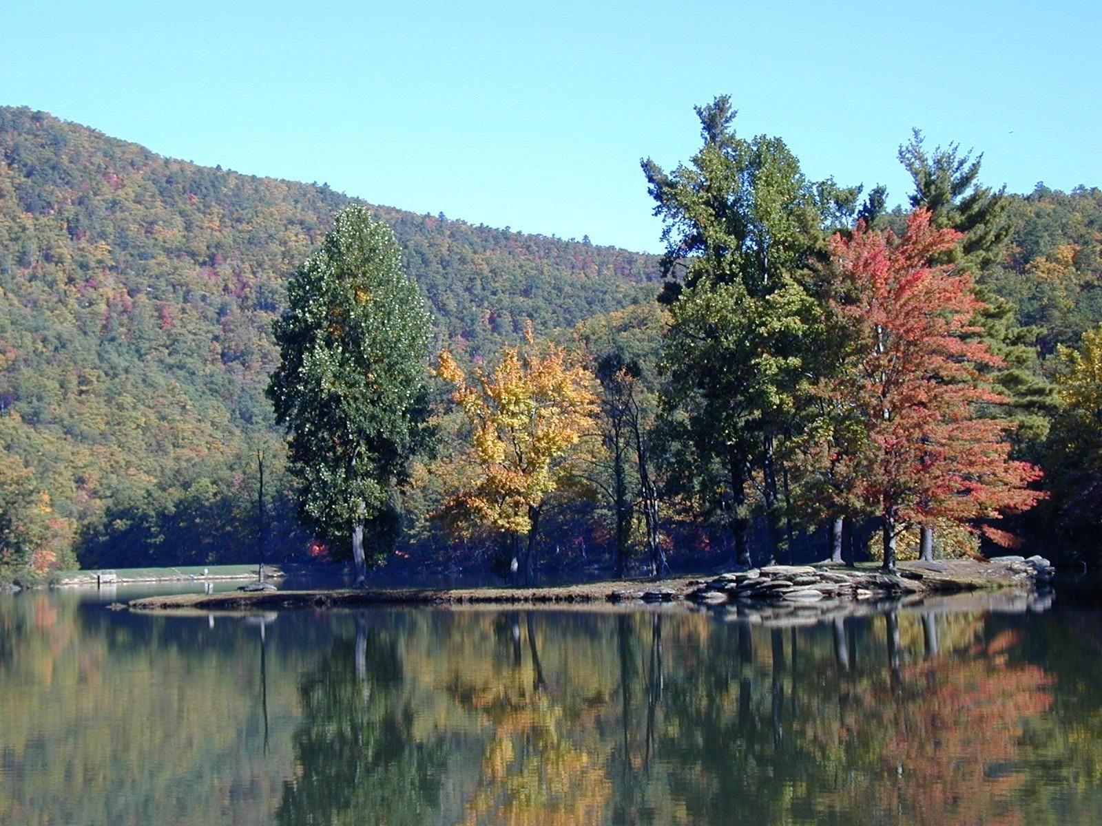 Sherando Lake Fall Colors
