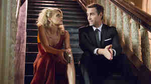 Eliza Coupe as Nina and Jay Harrington as Phil in USA's Benched.