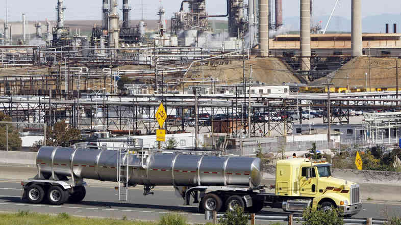 Chevron Corp. supported several candidates in Richmond, Calif., where the company has been hoping to modernize a large oil refinery, seen here in 2010. None of the Chevron-backed candidates were elected.