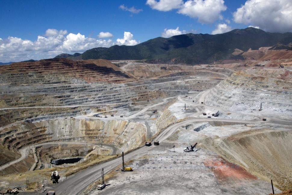 A faulty holding pond at the Buenavista Copper Mine caused the Aug. 6 leak.