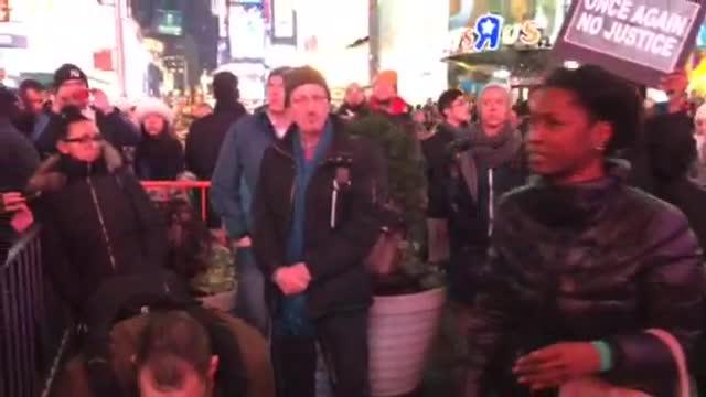 Protestors crowd into Midtown after Eric Garner decision (Video)