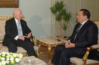 Secretary Bodman meets with Egyptian President Mubarak