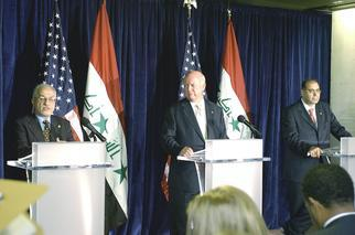 Secretary Bodman holds a press conference with Iraqi Oil Minister al-Shahristani and Iraqi Electricity Minister Hasan