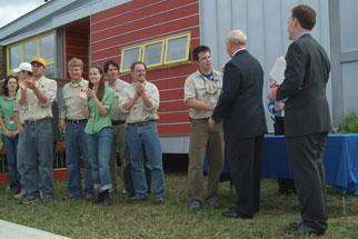 Secretary Bodman and Under Secretary David Garman at the 2005 Solar Decathlon awards ceremony