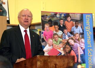 Secretary Bodman speaks at the P.A. Capdau School in New Orlean
