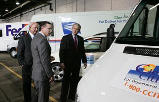 Secretary Bodman joins President Bush at the U.S. Postal Service Vehicle Maintenance Facility