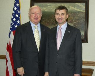 Secretary Bodman and Estonian Prime Minister Ansip