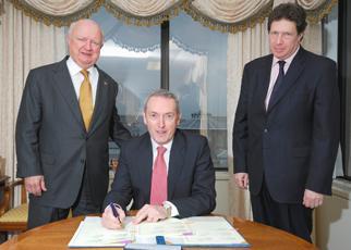 Secretary Bodman mets with UK Secretary Rt Hon John Hutton MP