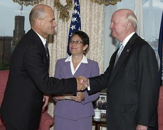 Secretary Bodman with newly sworn-in Under Secretary and NNSA Administrator D'Agostino