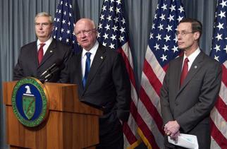 Secretary Bodman, EPA Administrator Johnson and NOAA Administrator Lautenbacher hold a media availability
