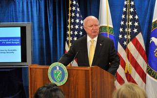 Secretary Bodman announces President Bush's $25 billion FY 2009 budget request for the Department of Energy