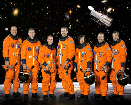 STS125-S-002: STS-125 crew