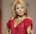 Kelly Ripa at 2007 Red Dress Collection Fashion Show