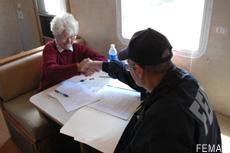 Fotografía de un centro FEMA para la recuperación después de un desastre