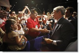 President George W. Bush greets members of the Veterans of Foreign Wars and their family members following his address Wednesday, Aug. 20, 2008, at the VFW National Convention in Orlando, Fla., where President Bush thanked the members of the VFW for their work on behalf of America's veterans.  White House photo by Eric Draper
