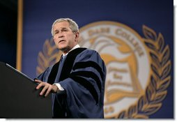 """President George W. Bush speaks to the estimated 1,500 graduates of Miami Dade College - Kendall Campus Saturday, April 28, 2007. The President told the Class of 2007, """"The opportunities of America make our land a beacon of hope for people from every corner of the world."""" White House photo by Eric Draper"""