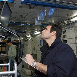 Expedition 17 Flight Engineer Gregory Chamitoff