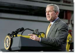 President George W. Bush addresses his remarks Tuesday, July 29, 2008 at the Lincoln Electric Company in Euclid, Ohio, on energy and economic issues. White House photo by Chris Greenberg