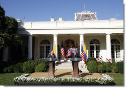 President George W. Bush delivers remarks during a joint press availability with Colombian President Alvaro Uribe Saturday, Sept. 20, 2008, in the Rose Garden at the White House. White House photo by Eric Draper