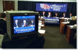Vice President Dick Cheney listens as panelists at the Technology and Innovation panel at the President's Economic Forum share their concerns about economic issues at Baylor University in Waco, Texas on Tuesday August 13, 2002. White House photo by David Bohrer.