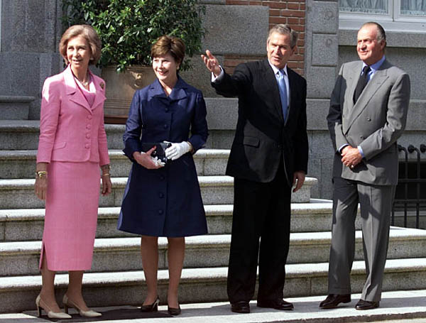 President George W. Bush and Laura Bush meet with the King Juan Carlos I and Queen Sofia of Spain at the King's palace Tuesday June 12, 2001 in Madrid, Spain.