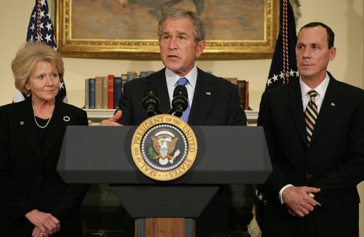 Flanked by Secretary Mary Peters, Department of Transportation, and Bobby Sturgell, Acting FAA Administrator, President George W. Bush delivers a statement on aviation congestion Thursday, Nov. 15, 2007, in the Roosevelt Room of the White House. White House photo by Chris Greenberg
