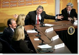 President George W. Bush leads a panel discussion with experts on energy conservation and efficiency at the National Renewable Energy Laboratory in Golden, Colo., Tuesday, Feb. 21, 2006.  White House photo by Eric Draper
