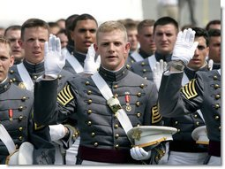 """Cadets from the U.S. Military Academy Class of 2007 take the oath of office Saturday, May 26, 2007, during graduation ceremonies in West Point, N.Y. """"Your country has prepared you, and now your country is counting on you,"""" the Vice President said during his commencement address, adding, """"I know that each one of you will serve with skill, and carry yourself with honor, and take care of your soldiers, because that is the way of the West Point officer."""" White House photo by David Bohrer"""