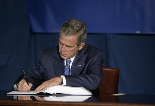 President George W. Bush signs the Convention for the Suppression of Acts of Nuclear Terrorism Treaty at the United Nations in New York Wednesday, Sept. 14, 2005. White House photo by Eric Draper