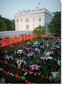 President George W. Bush and Laura Bush host a dinner celebrating Cinco de Mayo in the Rose Garden Wednesday, May 4, 2005.  White House photo by Paul Morse