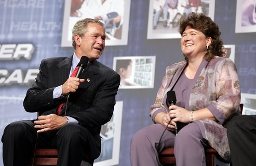 President George W. Bush participates in a conversation on health care information technology with Jennifer Queen at Vanderbilt University in Nashville, Tenn., May 27, 2004. White House photo by Paul Morse