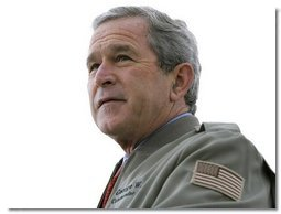 President George W. Bush delivers remarks to military personnel and families at Marine Corps Base Camp Pendleton, Calif., Tuesday, Dec. 7, 2004. White House photo by Eric Draper