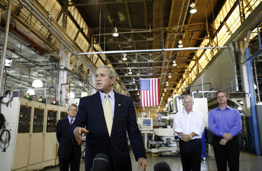 President George W. Bush addresses the employees of Meyer Tool Inc. Monday, Sept. 25, 2006 in Cincinnati, Ohio, speaking about the strength of the U.S. economy and how vital small businesses are to the nation's economic vitality. White House photo by Paul Morse