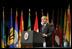 El Presidente Bush hace declaraciones al iniciarse la Asamblea General de la Organización de Estados Americanos el lunes, 6 de junio, 2005 en Ft. Lauderdale, Florida.