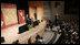 El Presidente George W. Bush pronuncia un discurso sobre la política con respecto al Hemisferio Occidental el lunes, 5 de marzo de 2007 ante la Cámara de Comercio Hispana de los Estados Unidos, en Washington, D.C. El Presidente Bush, que viajará a América Latina esta semana, dijo que a las dos regiones las unen valores comunes, intereses compartidos y vínculos cada vez más estrechos que han ayudado a promover la paz y prosperidad en ambos continentes. Foto por Paul Morse de la Casa Blanca.