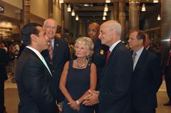 Los Angeles Mayor Antonio Villaraigosa speaks with Rep. Jane Harman, (D-Venice) and Secretary Michael Chertoff