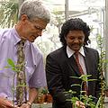 Dr. Bill Folk (left) and Dr. Quinton Johnson. Copyright University of Missouri School of Medicine.