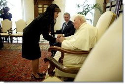 Mrs.Laura Bush and President George W. Bush meet with Pope John Paul II at the Vatican in Rome, Italy, Friday, June 4, 2004.  White House photo by Eric Draper