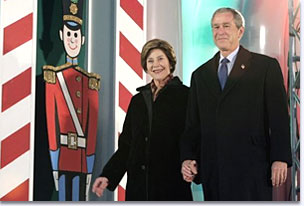 President George W. Bush and Laura Bush arrive at the Pageant of Peace.