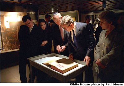 President Bush visits the Holocaust Museum. White House photo by Paul Morse.