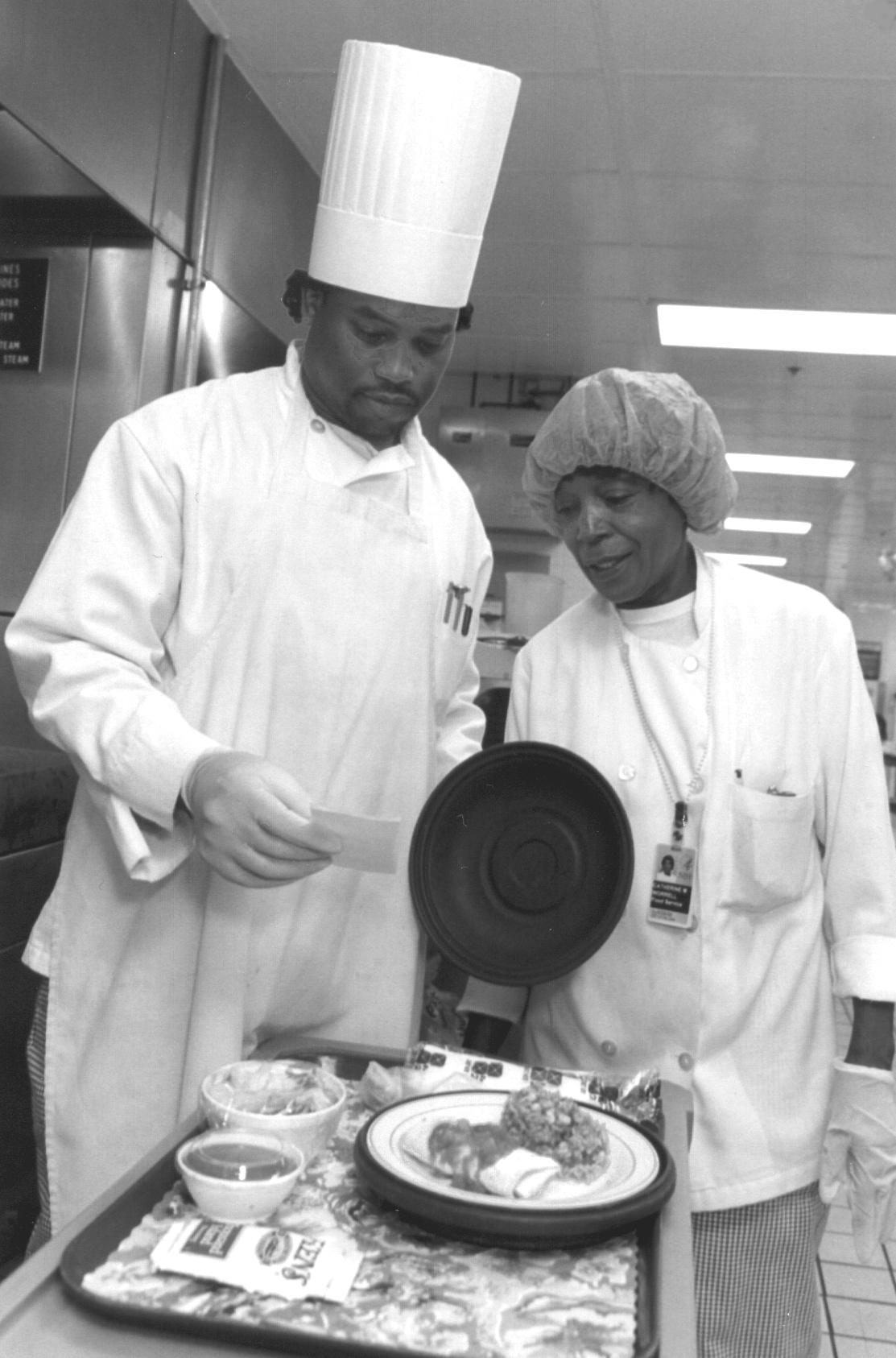 photo of dietary staff preparing food