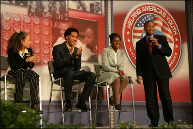 Claude Allen, Assistant to the President for Domestic Policy, right, leads a session of the program, Thursday, Oct. 27, 2005 at Howard University in Washington, during the White House Conference on Helping America's Youth.