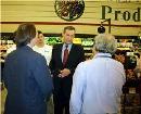 Secretary Leavitt in produce section of Matherne's Supermarket in Baton Rouge, Louisiana. HHS photo by John Mallos