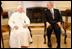 Después de la ceremonia de bienvenida, el presidente Georeg W. Bush y Papa Benedicto XVI se reunieron por espacio de 45 minutos en la Oficina Oval.