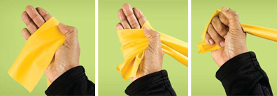 Photo explanation of how to grip a resistance band properly
