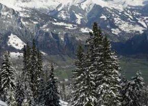 Zweierspitze Mountain near Mastrils, Switzerland, December 11, 2006. [© AP Images]