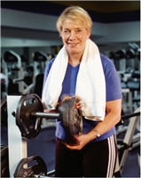 lady lifting weights at the gym