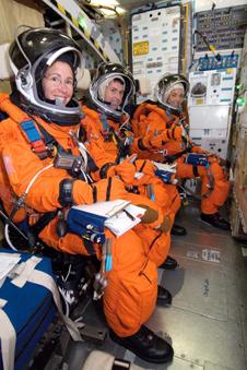 JSC2008-E-024534 -- STS-126 crew members